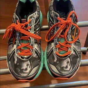 Limited edition NYC Marathon Brooks